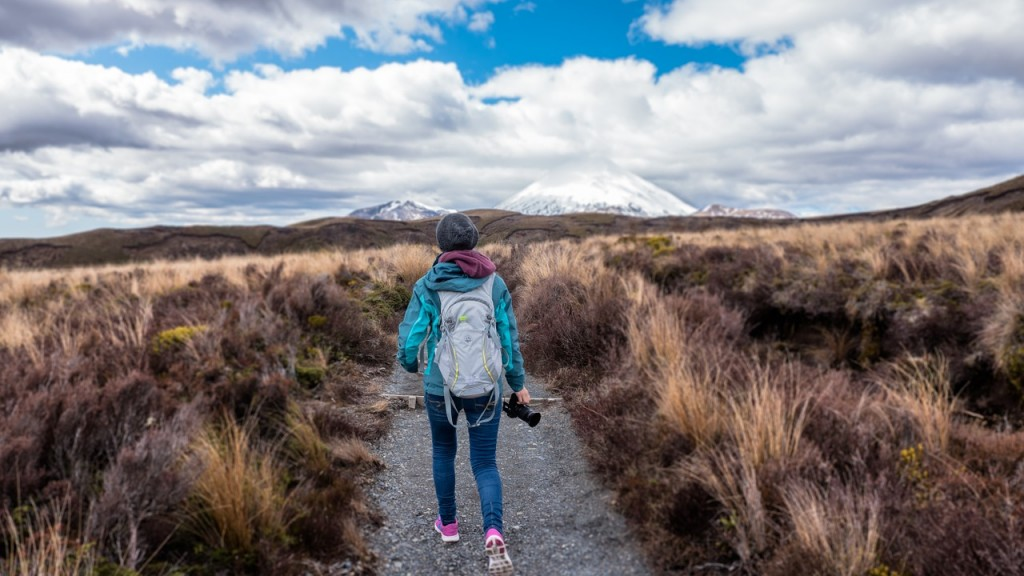 hiking-1246836_1280