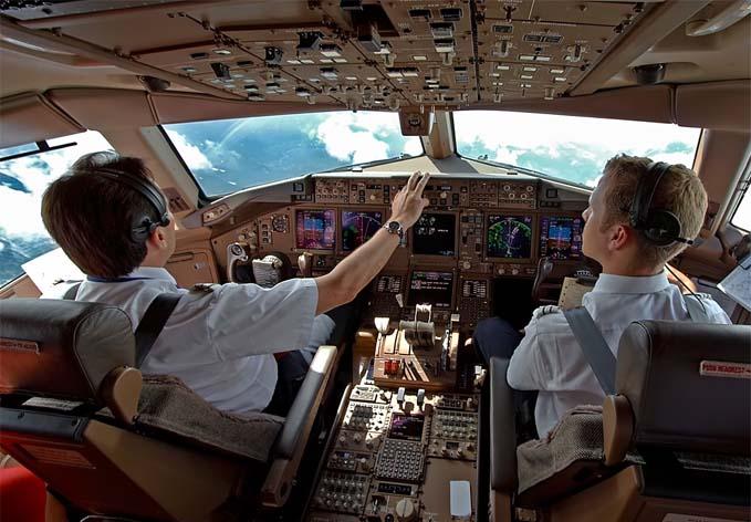 Darilni_paketi_SelectBox_instrumenti_kabine_Pilot_School_2